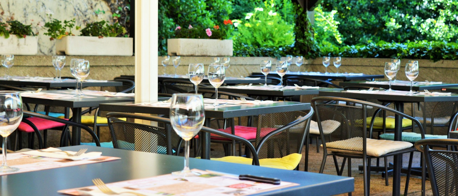 Cafe de village terrasse nyon
